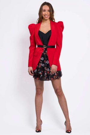 blazer-rouge-avec-ceinture