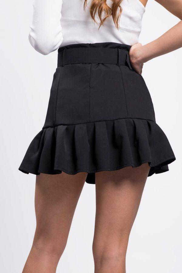 jupe-volant-noir-vêtement-féminim