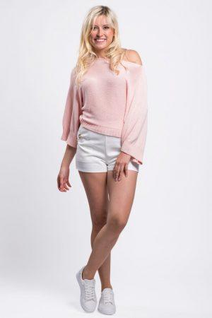 pull-coton-rose-épaule-dénudée