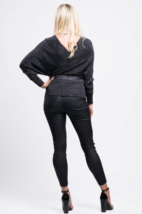 pull-noir-vêtement-femme