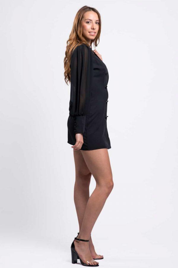 robe-noir-chic-à-manches
