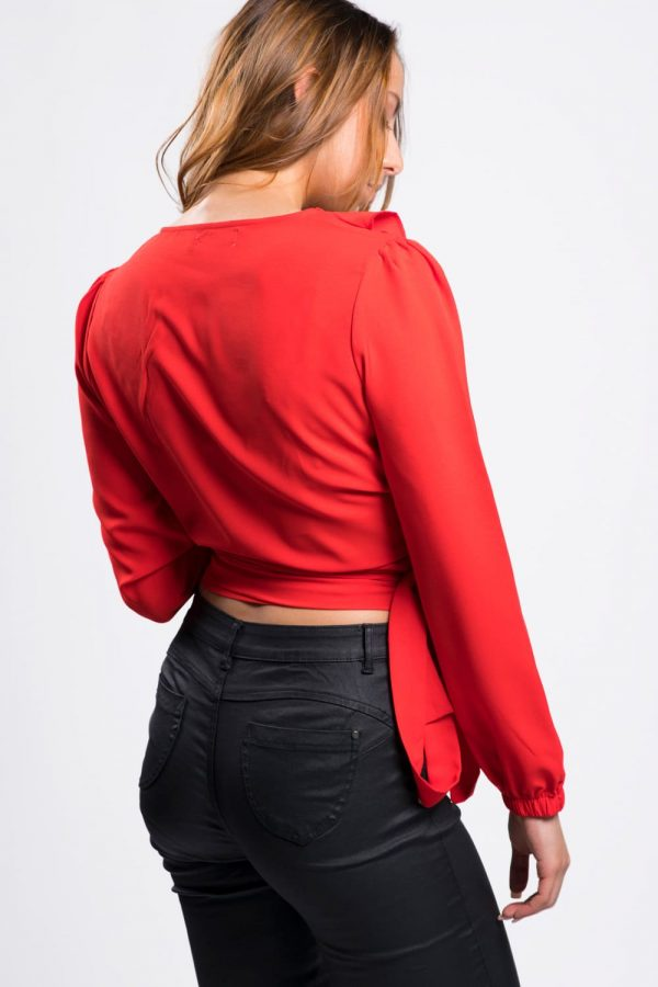 top-femme-chic-cache-coeur-rouge