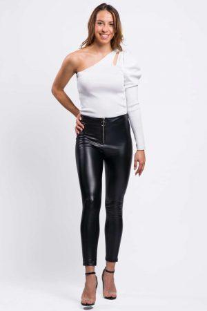 top-pour-femme-blanc-épaules-dénudée