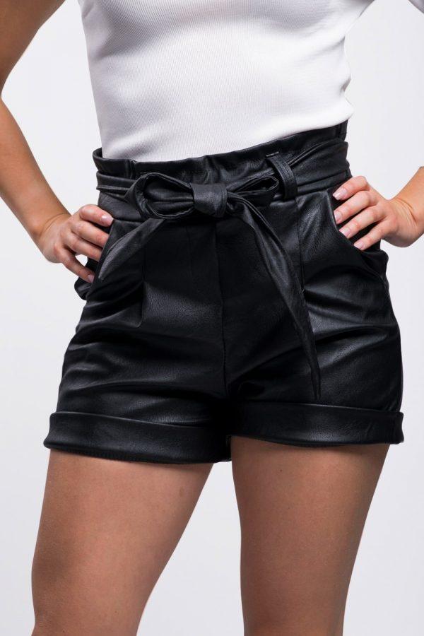 short-simili-cuir-noir-pour-femme