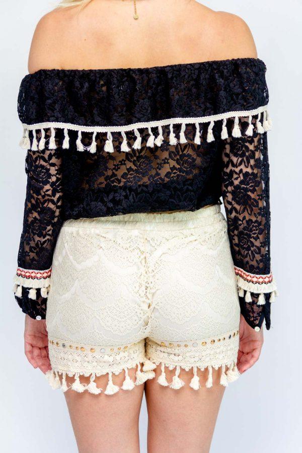 short femme beige